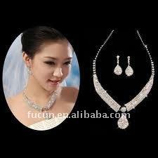 wedding necklace.jpg