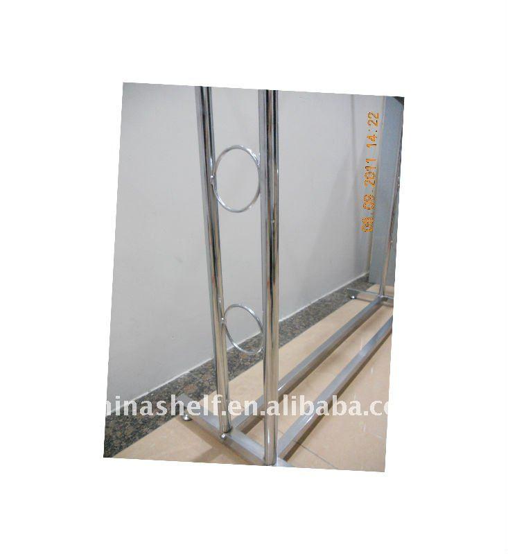De tuyaux en acier porte v tement autres meubles pliants for Meuble porte vetement