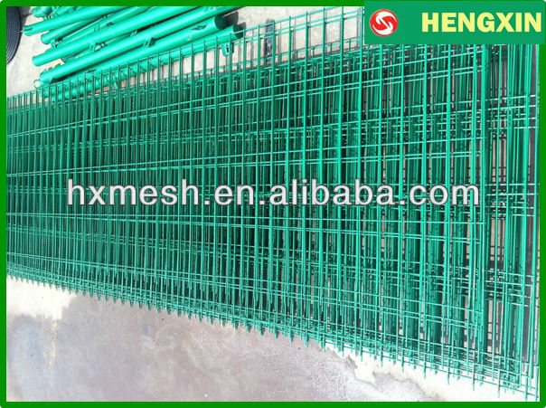 PVC coated welded wire mesh panel Metal fence panels