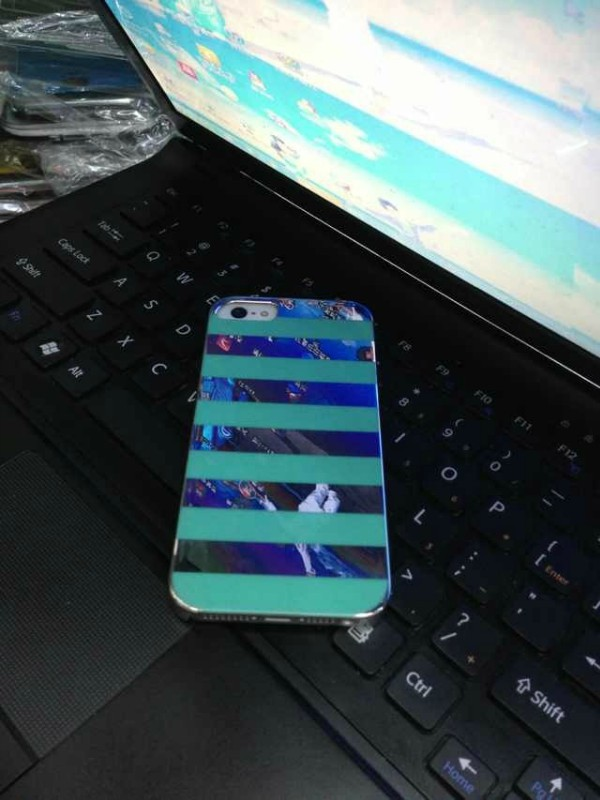 5G INCACE stripes snap case green 1.jpg