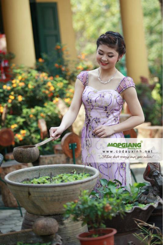 Tradition ao dai Vietnam style 2014