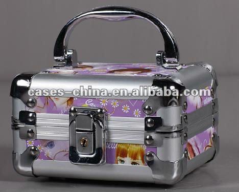 aluminum beauty vanity case