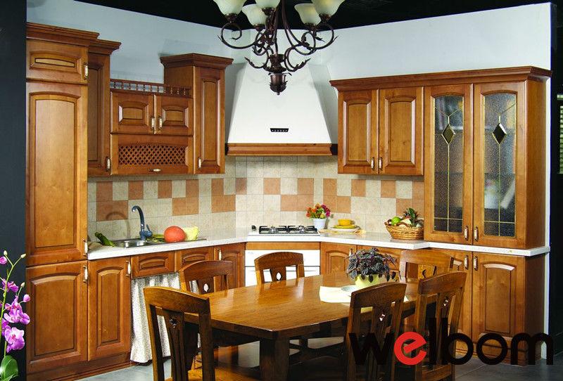 Gabinetes de cocina en madera y vidrio for Puertas de madera para cocina con vidrio