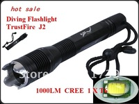 TrustFire TR-J2 1000LM CREE XM-L T6 LED Diving Flashlight with Assault Crown - Diving depth 30m (Professional diving lamp)