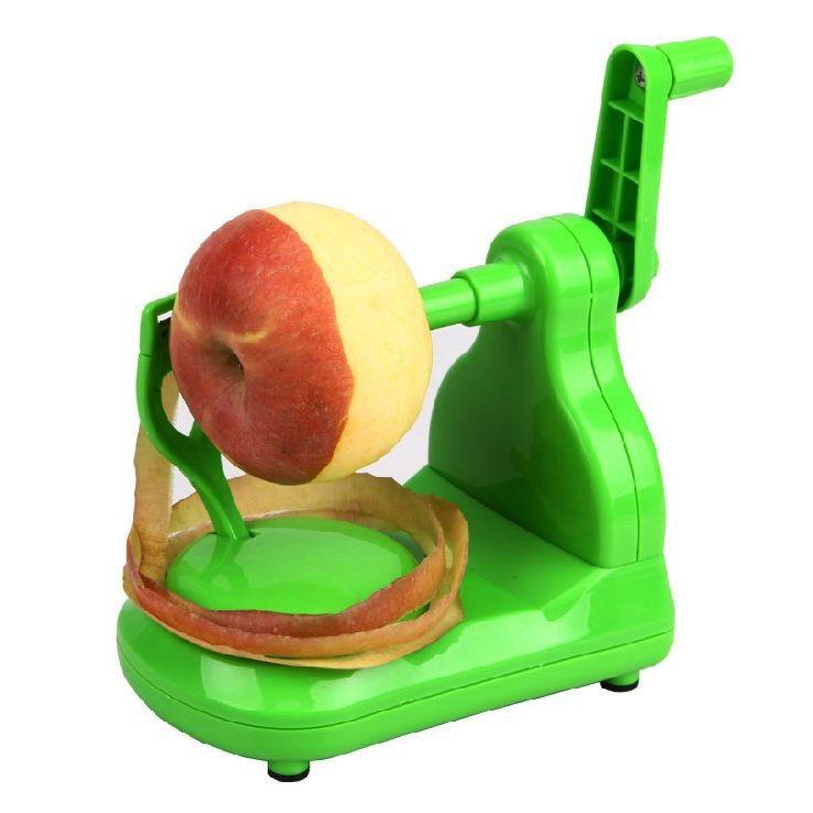 Яблокочистка  не занимает много места на кухне, подходит для очистки разных продуктов и будет полезной вещью в доме, особенно если у Вас есть маленькие дети, которые обычно любят очищенные яблоки.