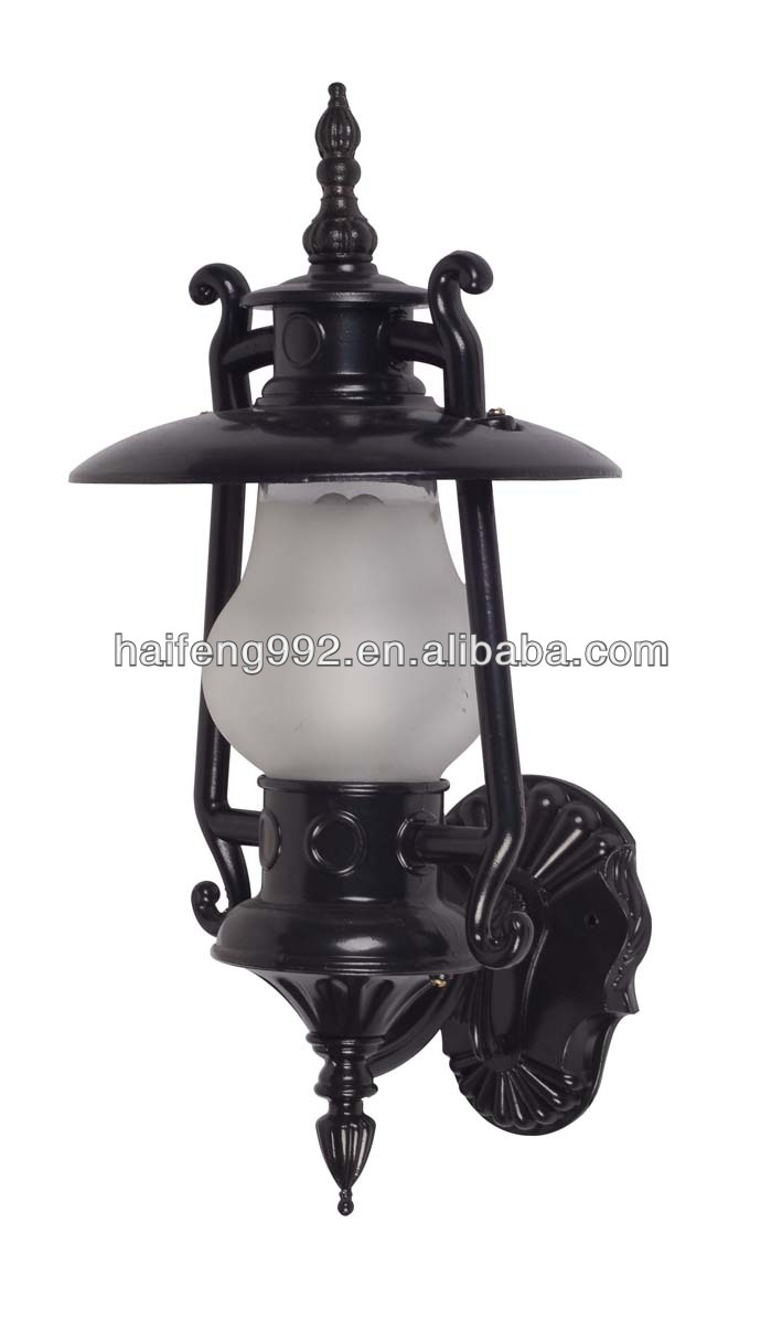 Beautiful lawn light / main gate pillar light, View main gate ...