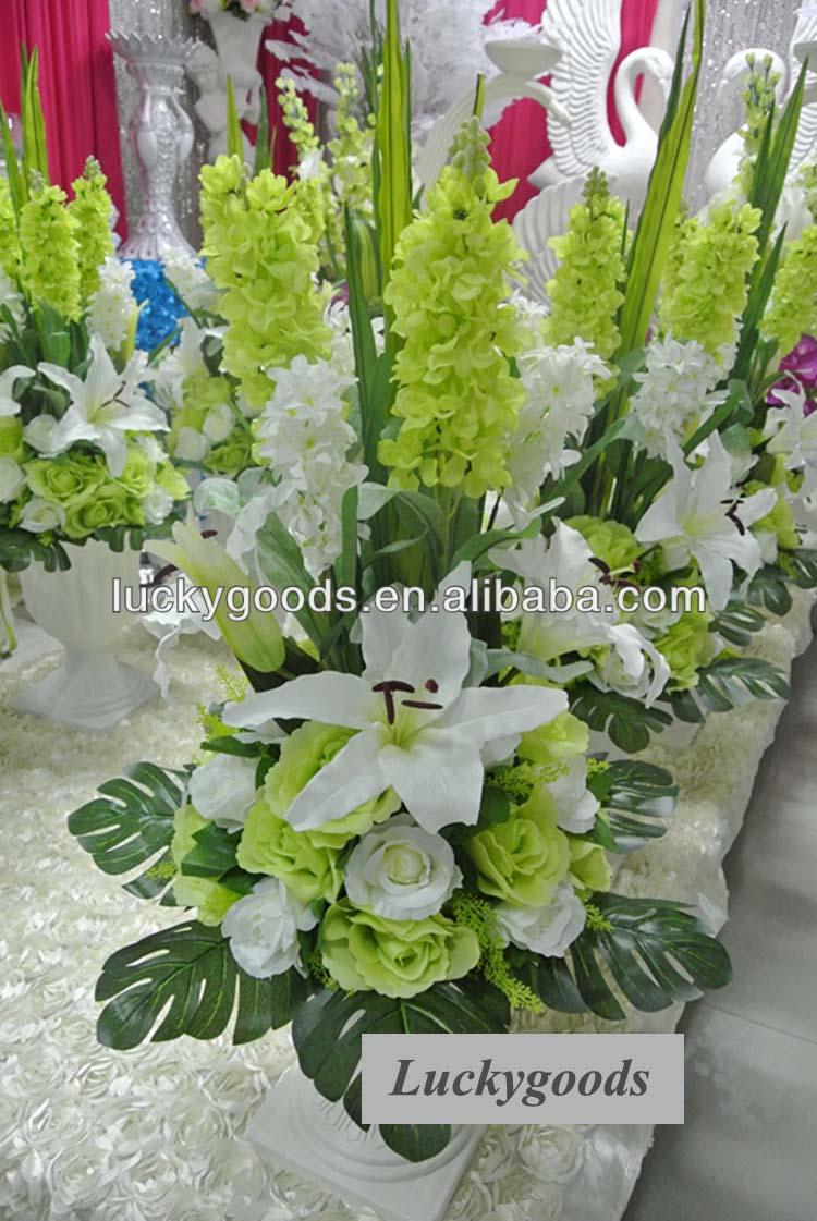 Composizioni floreali di nozze artificiale