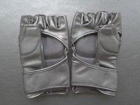 Free shipping 1pair Half finger black fighting gloves boxing gloves  playing sandbag muay Thai training mma ufc