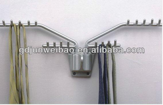 Folding tie rack
