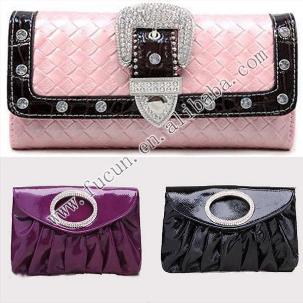 buckle handbag.jpg