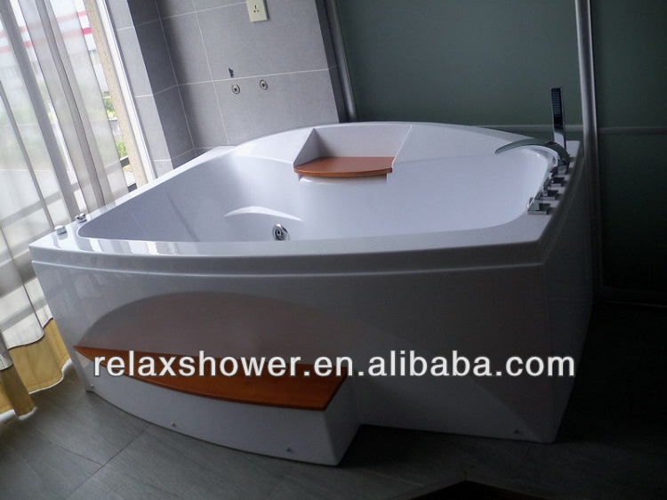 2015 hot selling spa bathtub with low price