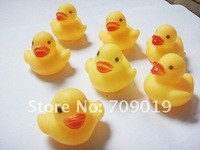 Детская игрушка для купания 20pcs/lot mini Rubber duck bath duck Pvc duck with sound Floating Duck Fast delivery