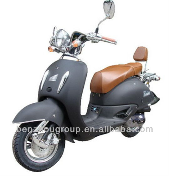 Very popular and fashionable gas scooters 50cc