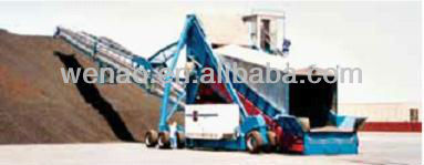 Mobile stockpiling conveyor