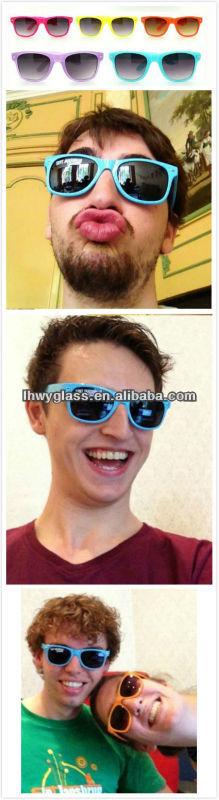 Free Sample Custom Promotio<em></em>nal Wayfarer sunglasses WITH FROG SKIN
