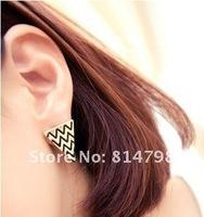 Серьги-гвоздики triangle stud earrings