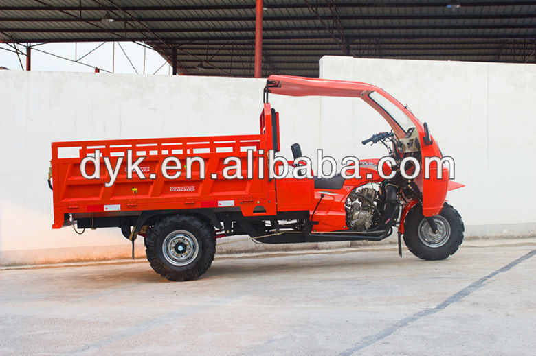 China Big Wheel Enclosed Motorized Tricycles for Adults KA300F