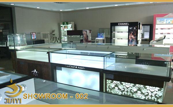 SHOWROOM002.jpg
