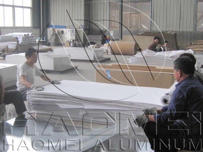 Paper interleaved of aluminium sheet