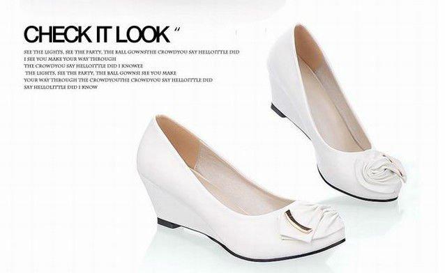 Zapatos De Tacon Bajo Blancos