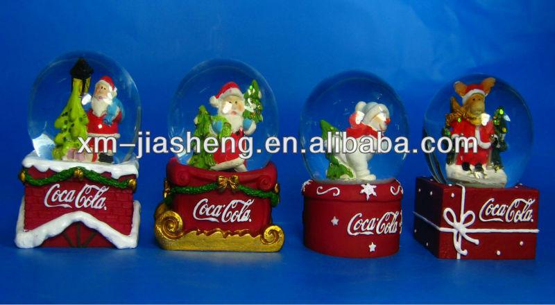 2013 most popular resin snow globe of China
