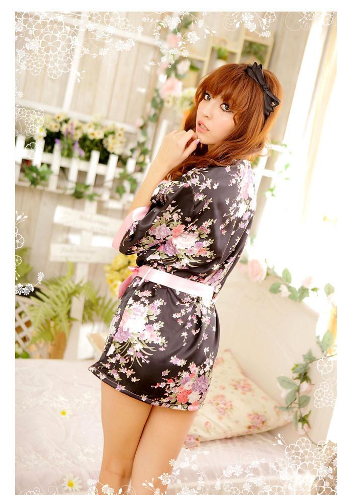 internet-magazin-eroticheskih-halatov-kimono