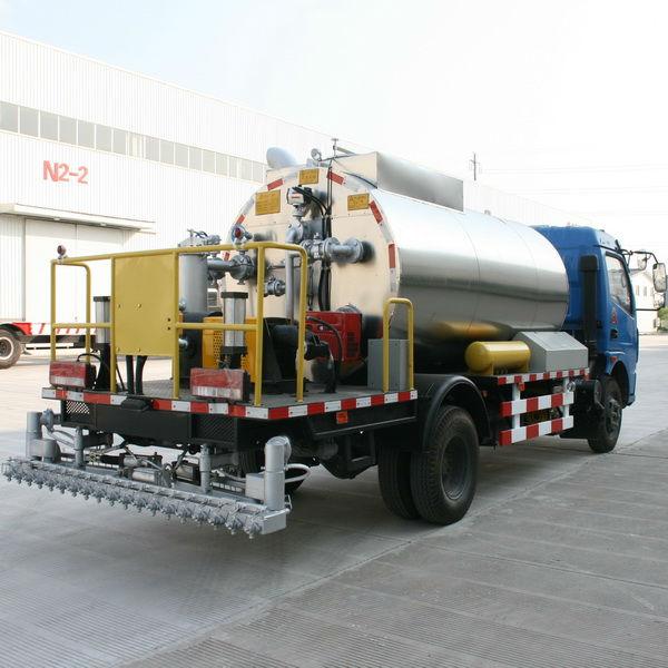 Road Construction Equipment Asphalt Distributor