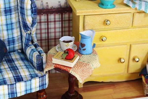 Вещи в кукольный домик