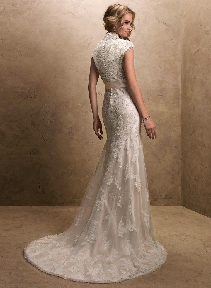 свадебные платья цвета шампань фото: