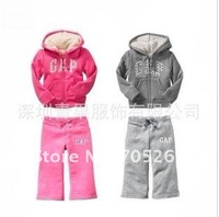 Комплект одежды для девочек 2012 hot saling Children's suite, grey embroidered little cotton cashmere sport suit, boys and girls set
