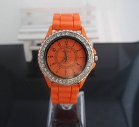 Наручные часы Holiday sale Good Quality Fashion Watch Orange silicone Full Crystal Watch Women analog quartz sports Wrist Watch New GV001-10