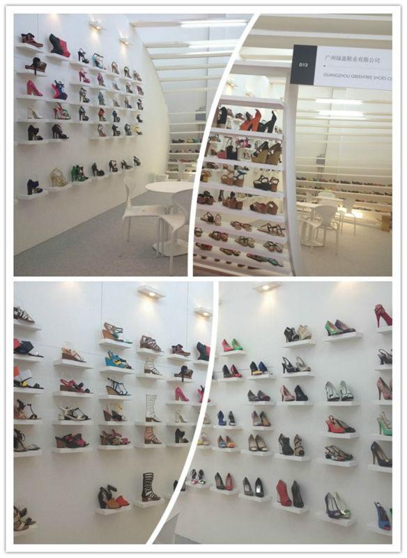 Élégantes sandales plates 2014