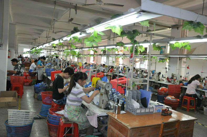 2014 Wholesale Fashionable Bata Men Shoes