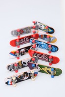 Free shipping wholesale 50pcs multi-color manufacturer selling Alloy+ABS Material mini Super finger Skateboard  toy