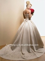 Beautiful ball gown beaded embroidery wedding dress