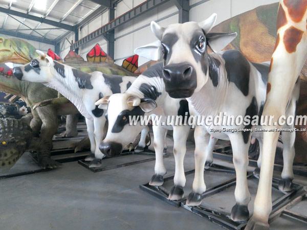 Animal Plastic Models Fiberglass Life Size Cow.jpg