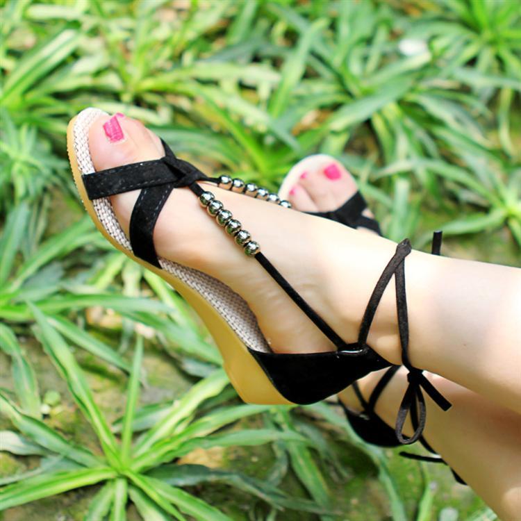 أحذية جديده للبنات 2014 أحذية 714668967_741.jpg