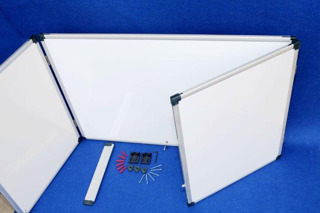 Tableau blanc magnétique pliable