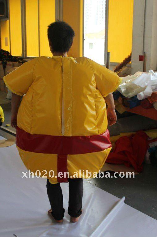 Kid sumo suits03.jpg