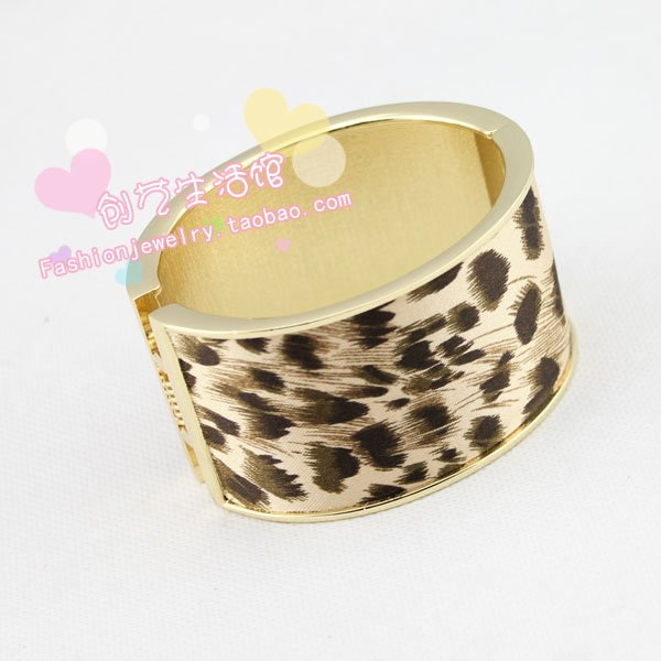 Europe and the United States retro mix and match punk leopard bracelet fashion exaggerated Wide bracelet jewelry