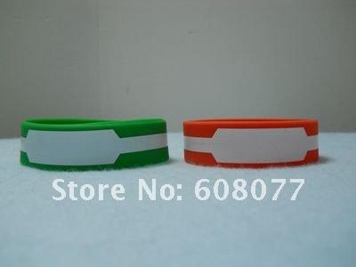 green red bracelet 3.jpg