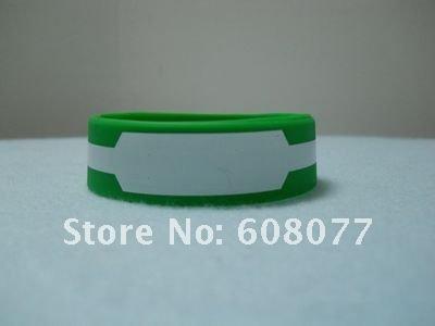 green red bracelet 5.jpg