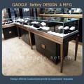 muebles de la exhibición de la joyería