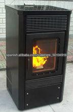 Estufa de pellets de madera con llama