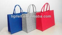 la bolsa de fieltro en diferentes colores
