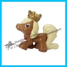 delicado de plástico caballo de juguete para los niños