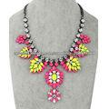 2013 joyería de traje de la manera, acrílico colorido de la hoja de cuentas neckalce para las mujeres
