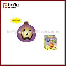 la luz de calabaza de Halloween.el juguete de calabaza