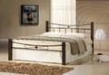 cama doble de hierro forjado con cuatro postes de madera de pino