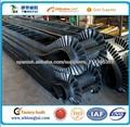 Alta calidad y precio competitivo 2013 nuevos productos chinos en gran ángel cinta transportadora antideslizante caucho del flan